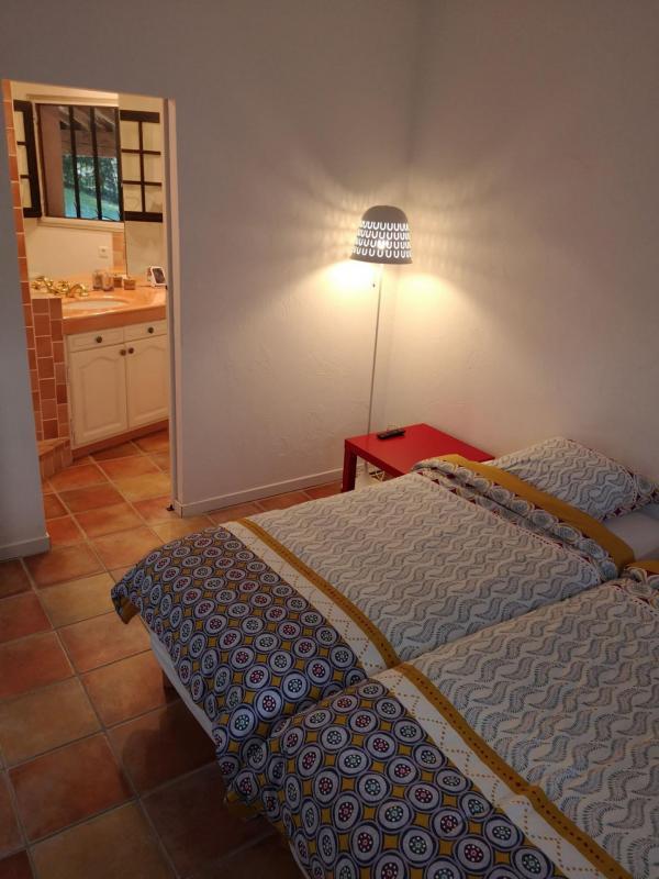 Slaapkamer aan de kant van de inkom