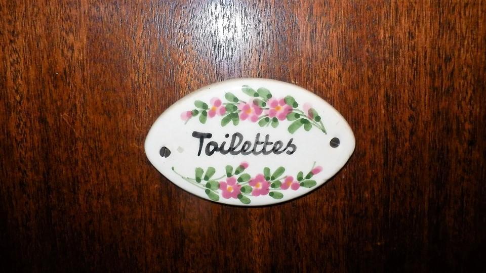 Toilettes séparées maison de vacances